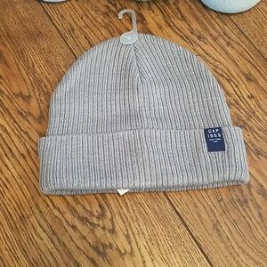 NWT GAP Kids Gray Beanie Hat (Sz Sm) (B942)